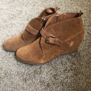 Faux fur brown ankle booties